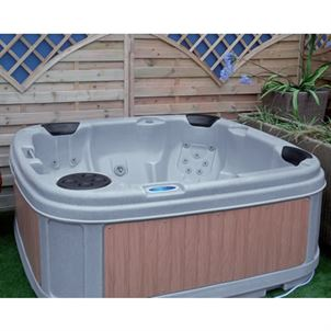 Utopia 5 - 6 Seater Hot Tub